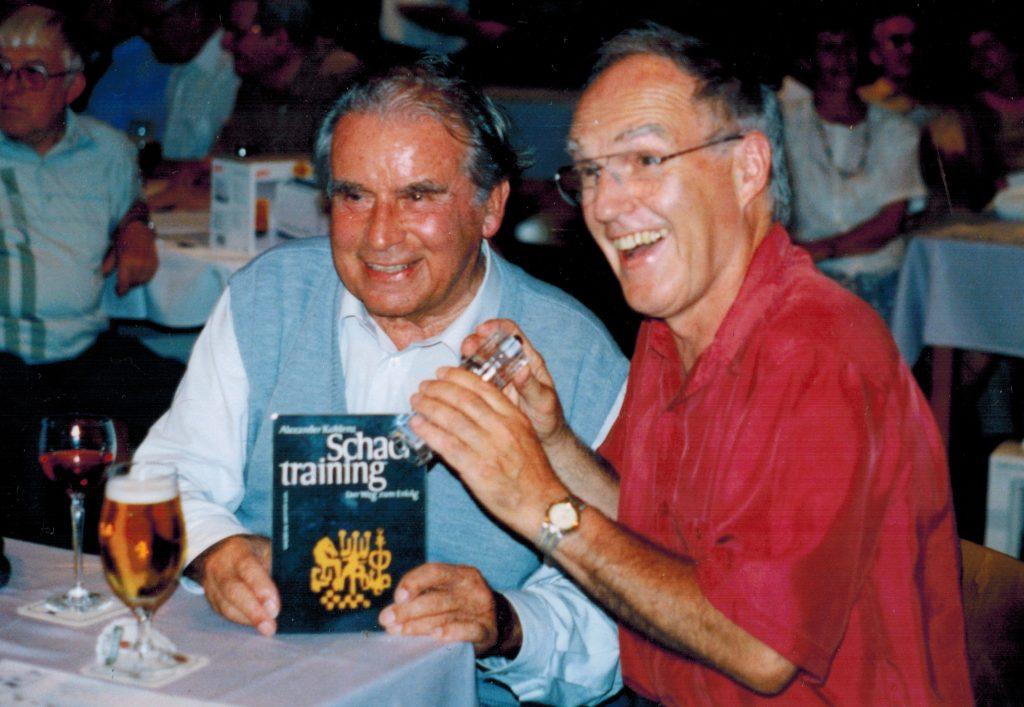 Adolf Grieser (l.) und Hans-Peter Klose 1996